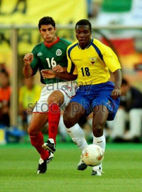 Mexico 2 Ecuador 1 in 2002 in Miyagi. Salvador Carmona challenges Carlos Tenorio in Group G #WorldCupFinals