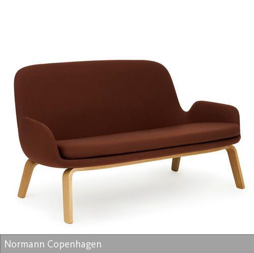 """In Anlehnung an den Stil der 50er Jahre präsentiert sich das moderne Sofa """"Era"""" von Normann Copenhagen. Durch die stabile und komfortabel gepolsterte…"""