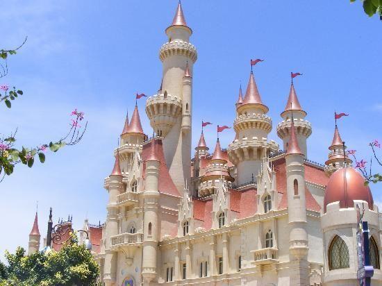 Http Media Cdn Tripadvisor Com Media Photo S 01 C9 C2 D1 Shrek S Castle Jpg Castle Pictures Universal Studios Singapore Castle