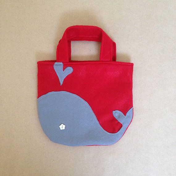 59c36d944 Items similar to Sentía bolsa ballena ++ bolsa de fieltro para niños ++ muy  ligero ++ fieltro rojo ++ bolsa de fieltro ++ bolso para niños on Etsy