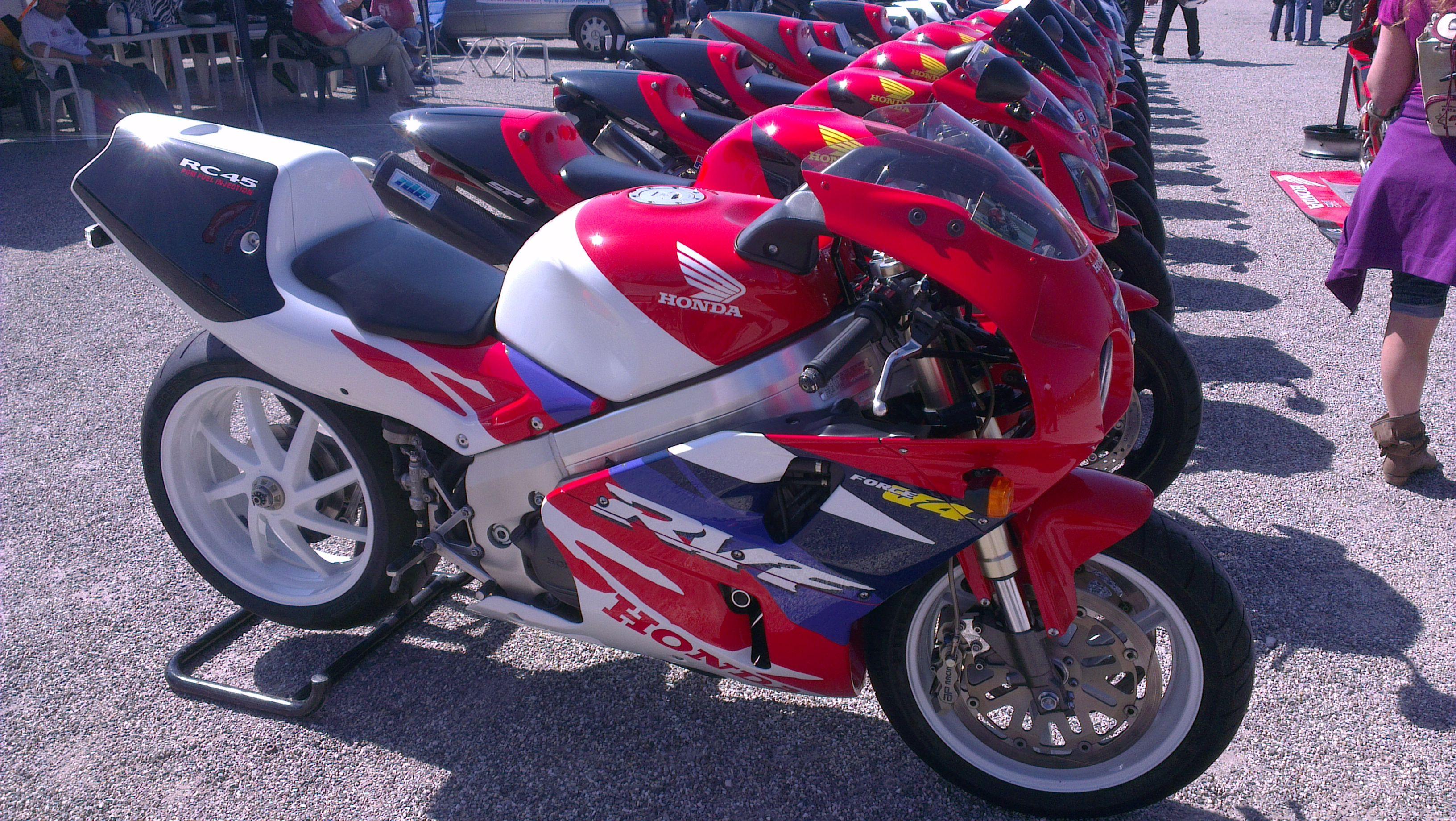 Honda RC45