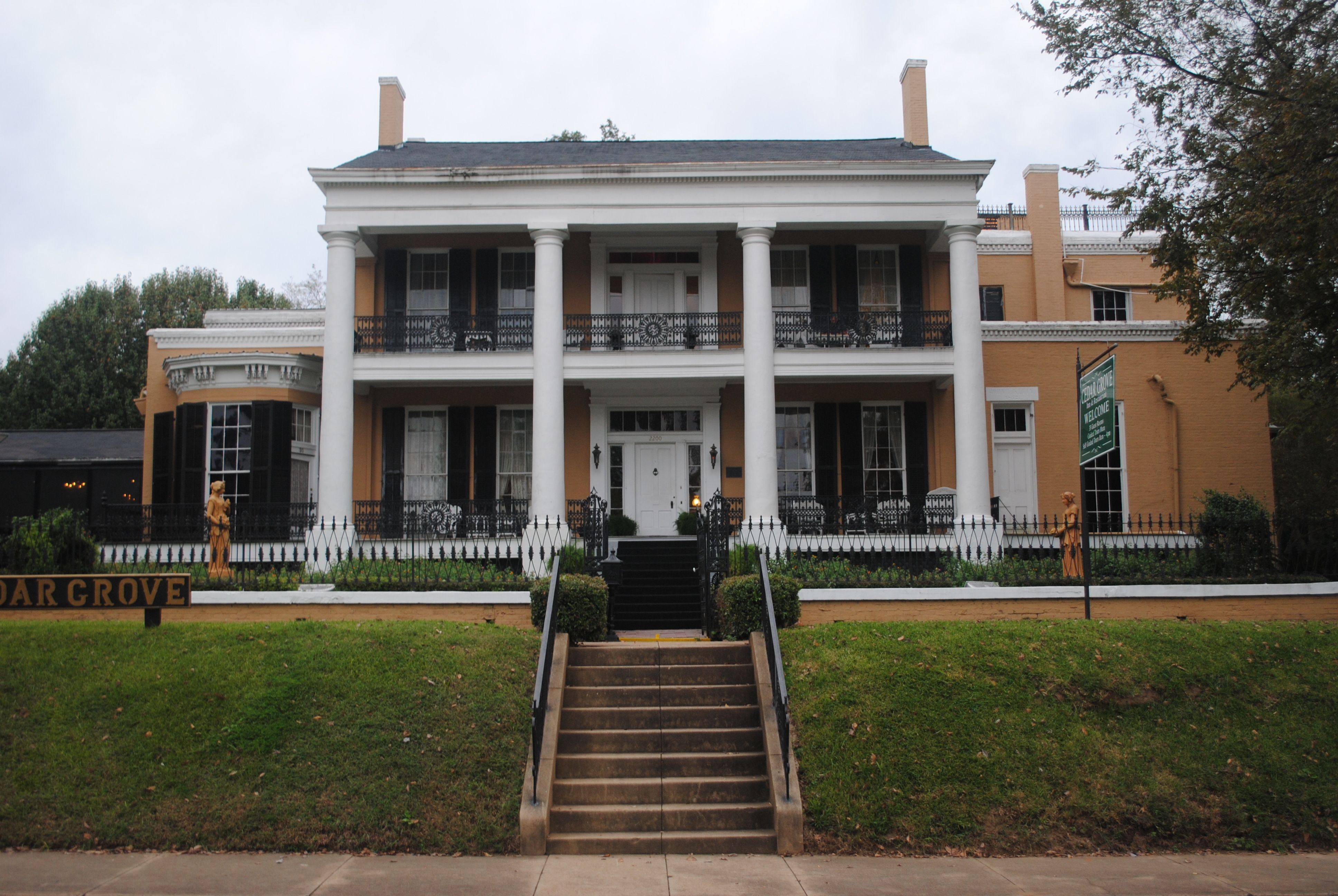 Victorian homes for sale in mississippi - Castles
