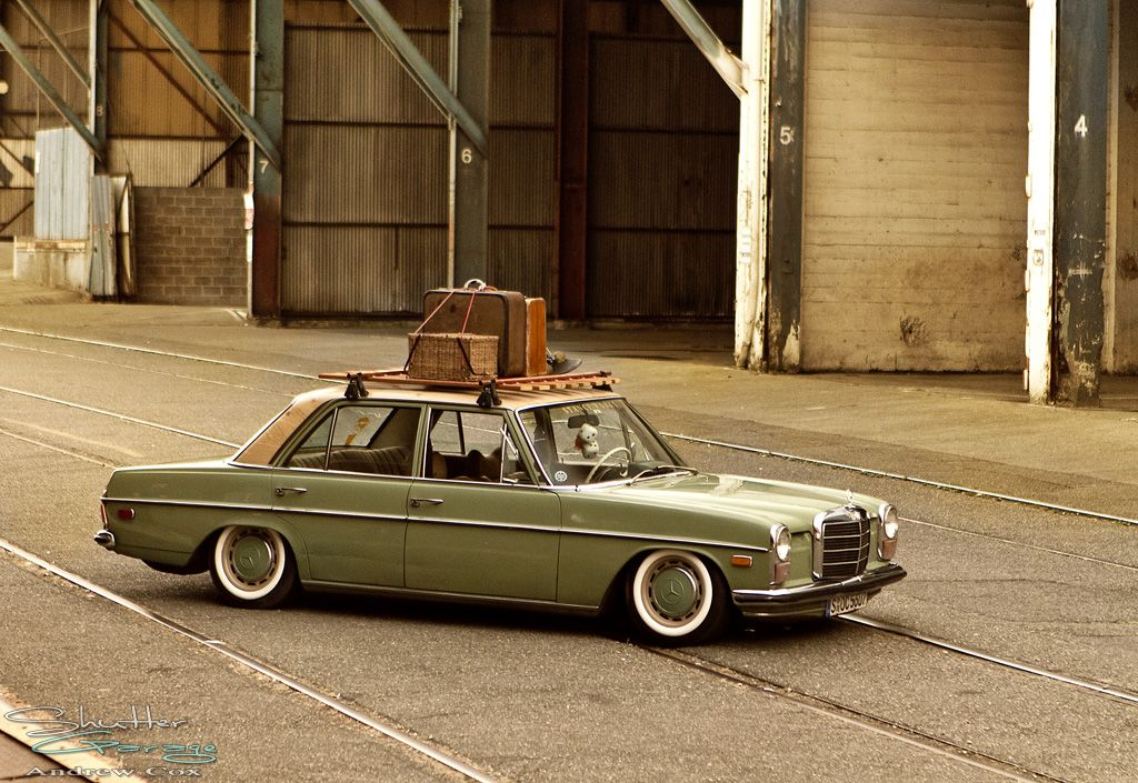 Austins 72 mercedes w114 mercedes old timer pinterest for Mercedes benz roof rails