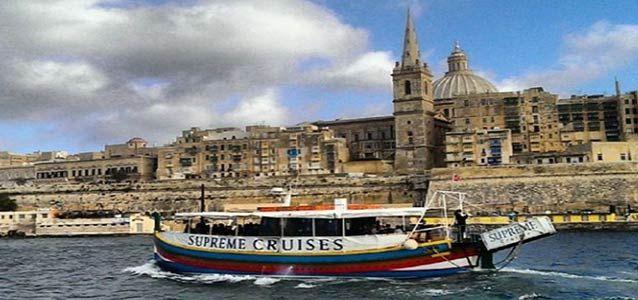 #Malta è un'esplosione di profumi. 20 gradi costanti, fiori gialli, prati verde che contrastano con una distesa infinita di case color sabbia #viaggi #travel http://paperproject.it/lifestyle/lestasi-dei-momenti-dozio/malta-weekend-low-cost-primavera/