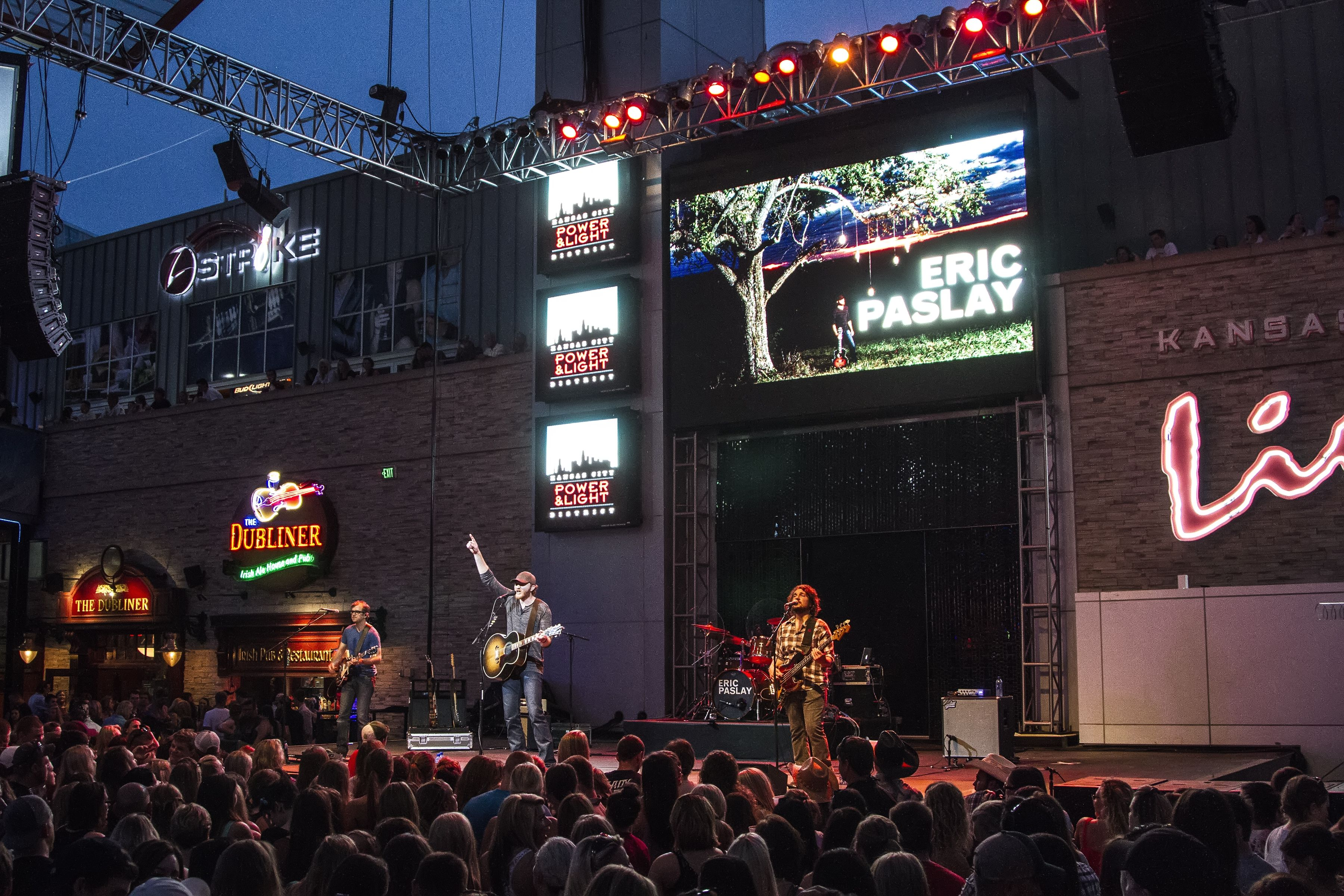 Great Eric Paslay Performing For Kansas City Power And Light Districts Hot  Country Night Concert Series. #HCNKC | Hot Country Nights | Pinterest.