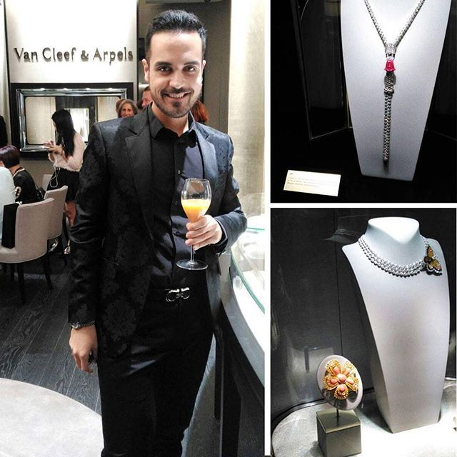 Instagram media edoardoalaimo - È arrivato il momento di festeggiare l'apertura della prima boutique di @vancleefarpels a #Roma. Eccomi al loro elegantissimo cocktail party!  Time to celebrate the opening of the first @vancleefarpels boutique in #Rome. Here I am at their glamorous cocktail party!  #edoardoalaimo #vancleefarpels #vancleefarpelsrome#openingparty #jewels #diamonds #luxury #event #party #menswear #cool #menoutfit #gioielli #watches