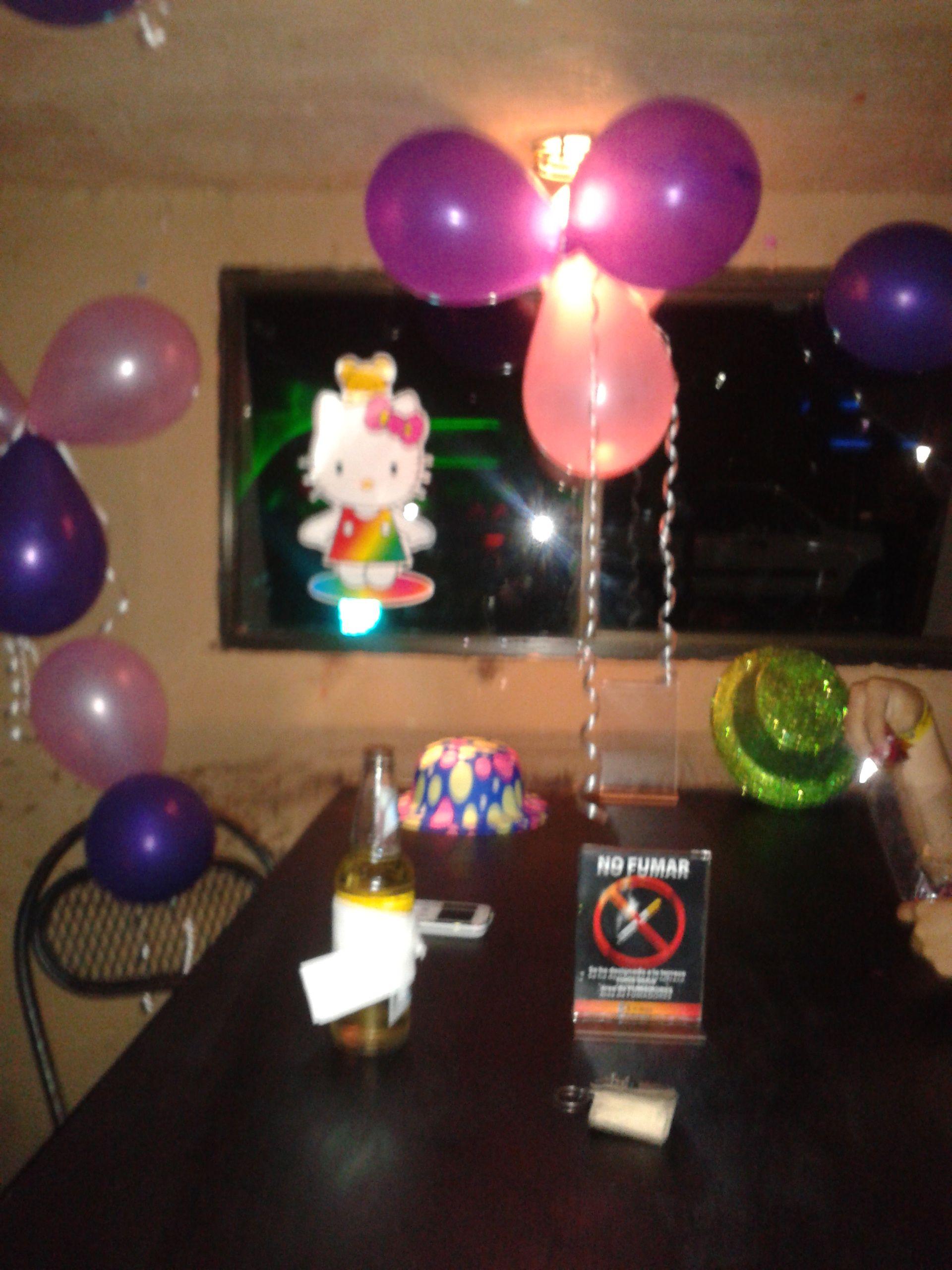 Decoracion de mesa en discoteca para cumple decoracion para fiestas tematicas pinterest - Ideas para discotecas ...
