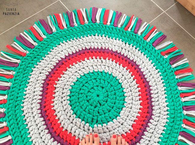 Alfombra de trapillo para una habitaci n infantil for Tapetes anudados a mano