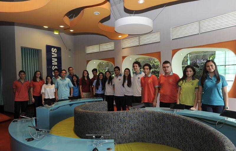 Inicio de Antorcha programa Costarricense de valores y conocimientos academicos estudiantes de secundaria Costa Rica. Grupo de trabajo y produccion canal 13