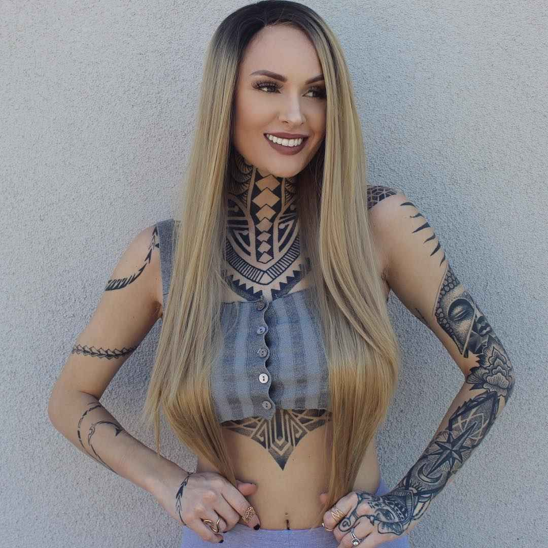 Lizz nude tessa Tattooed Model