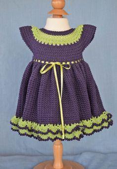 Morado y verde de la cal del bebé vestido y por CherryHillCrochet