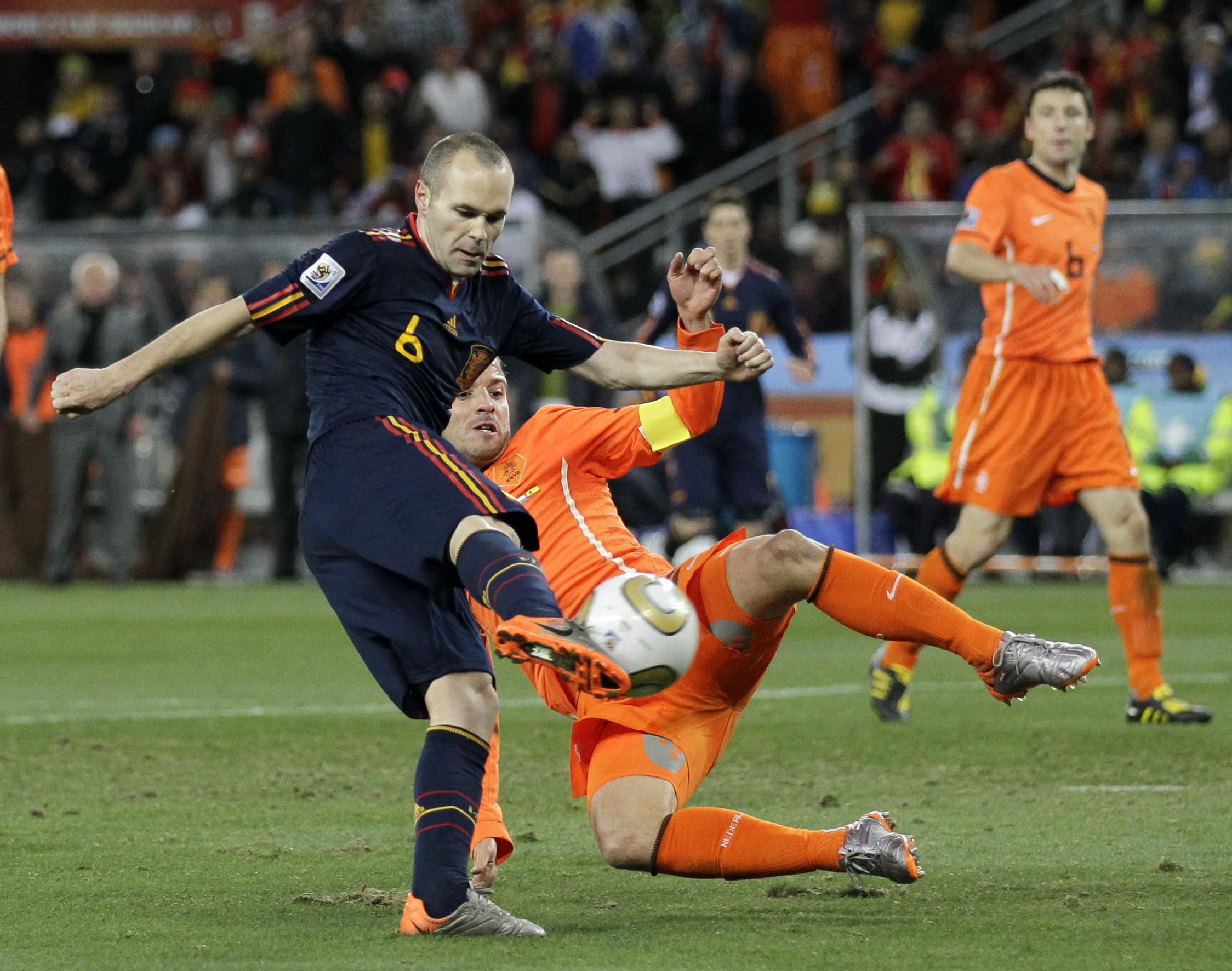 Spain S Andres Iniesta Scoring The Winner In The 2010 World Cup Final Spain Open Their World Cup 2014 With A Rematch Against The Dutch Can Don Andres Do It A