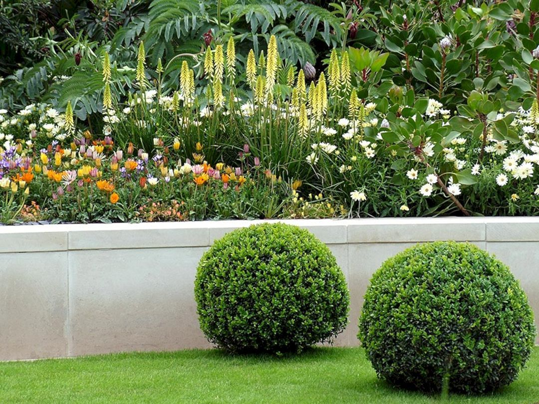 25 Most Gorgeous Flower Bed Design Ideas For Stunning Front Yard