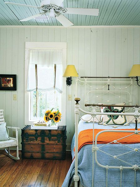love the painted wood-flat ceiling
