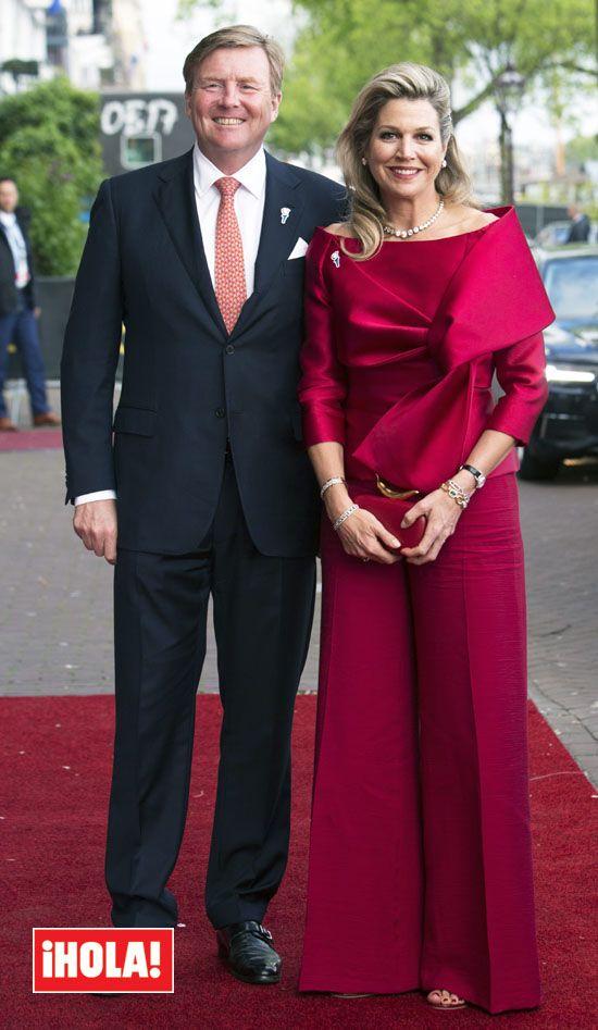 Máxima de Holanda contradice a doña Letizia: el fucsia es el nuevo rojo