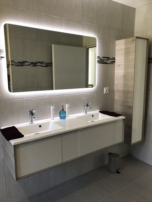 Lumières De Salle De Bains Éclairage de salle de bain : nos conseils pour une lumière