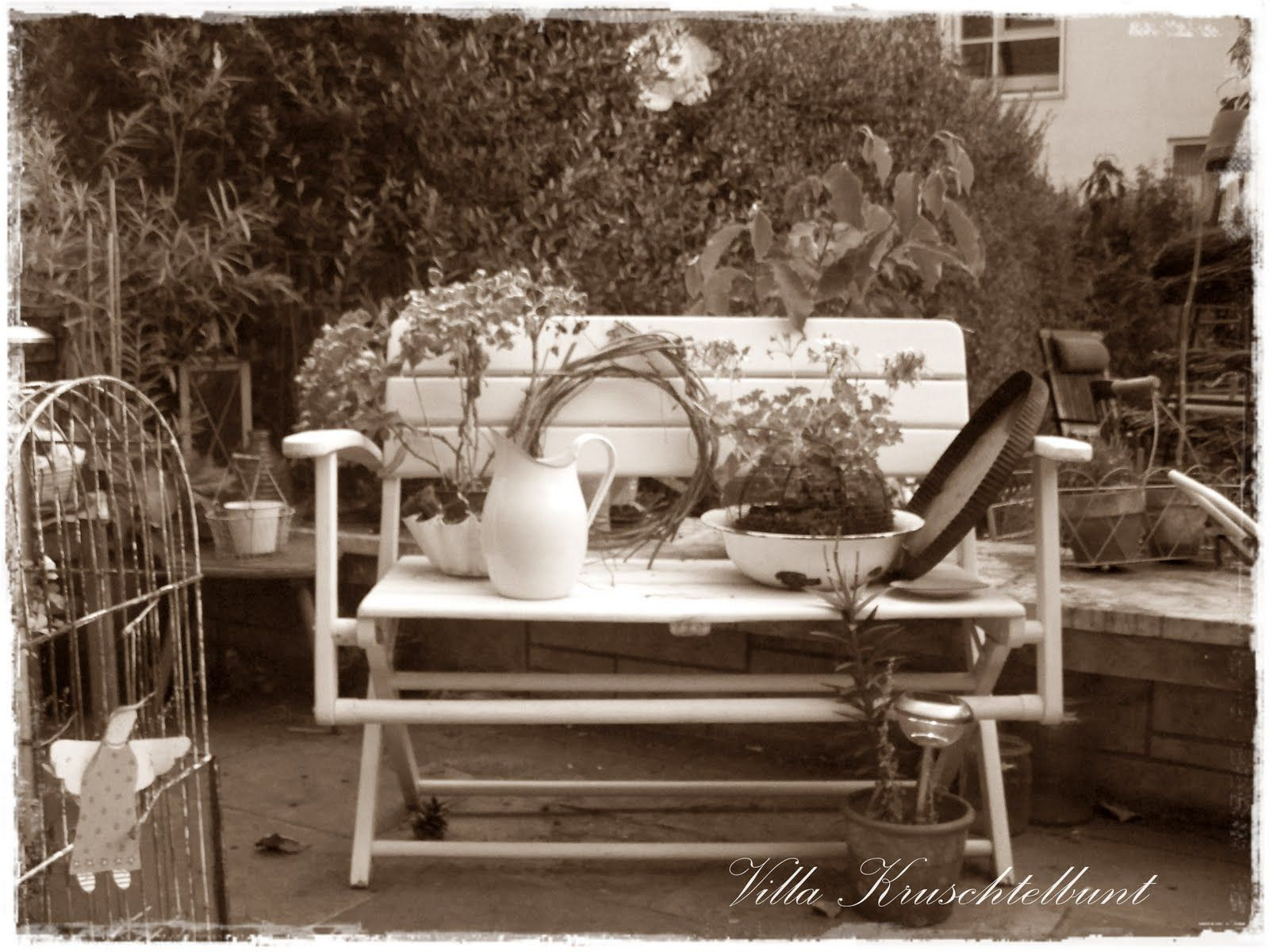alte gartenbank dekorieren villa cruschtelbunt holz gartenbank pinterest garten garten. Black Bedroom Furniture Sets. Home Design Ideas