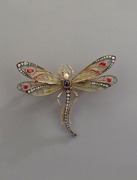 The State Hermitage Museum: Digital Collection --Brooch Shaped like a Dragonfly   Gold,uncut diamond roses,rubies,sapphires,pearls,chrysolites; 4.8x6.1 cm