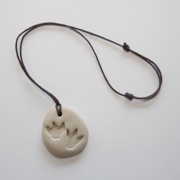 des fossiles en pâte fimo en guise de collier des fossiles en pâte fimo en guise de collier des fossiles en pâte fimo en guise de collier des fossiles e...