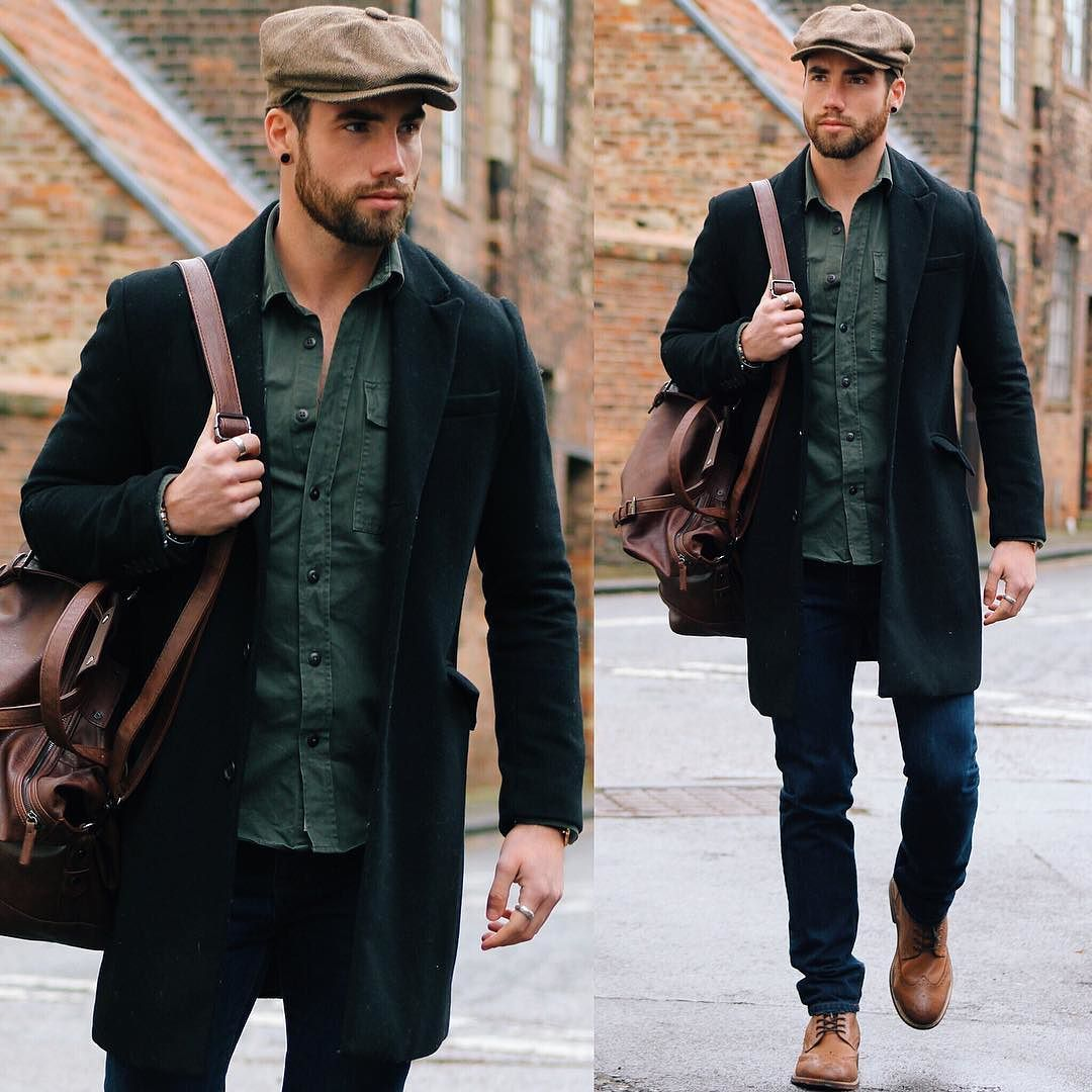 Today s look. The casual style I love. And the Baker Boy hat that I think  you ll see a lot more of this year  CR by chezrust 17be612004d