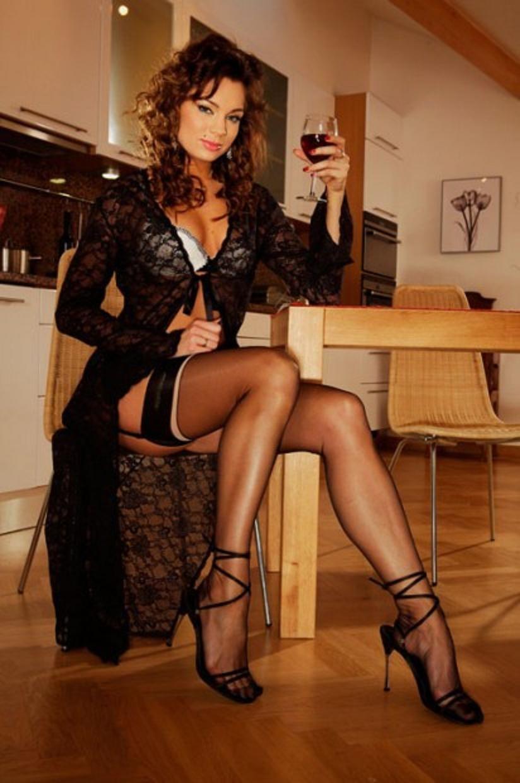 girls-in-high-heels-legs-galleries