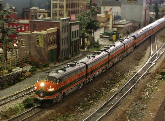 HO Scale Model Train Layouts | of the large scale trains the