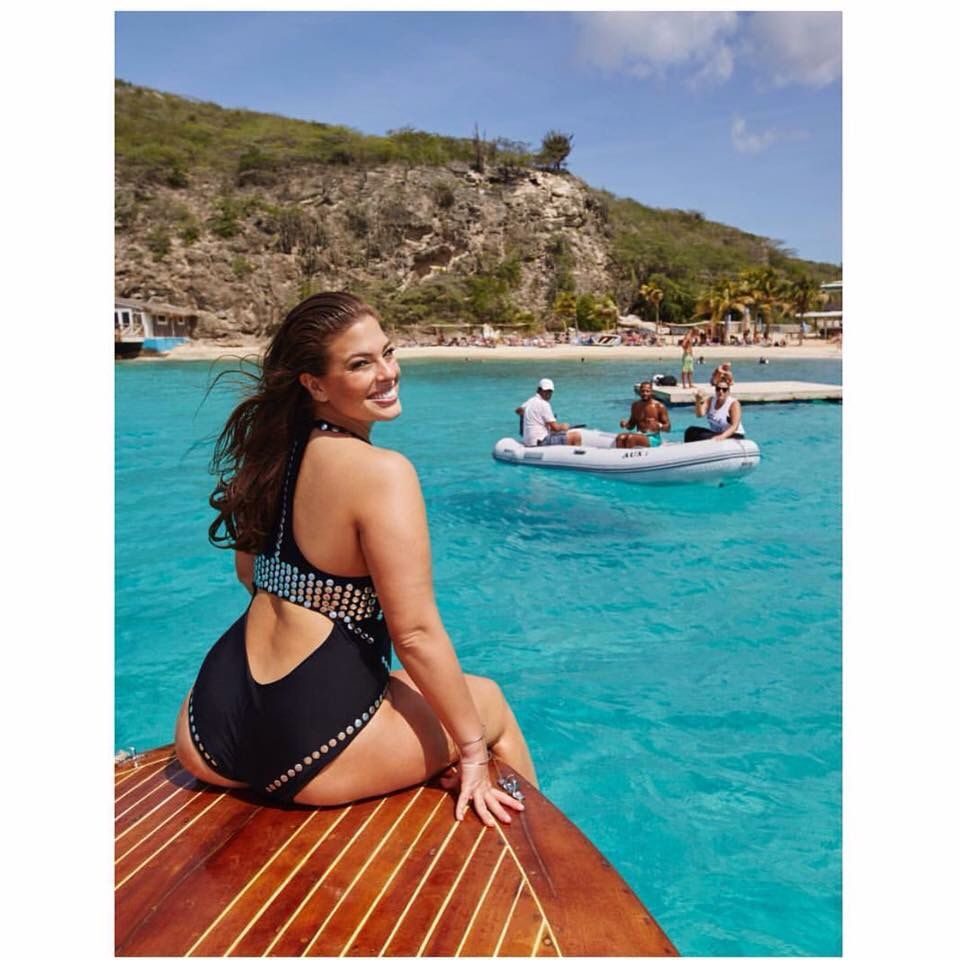 Pin lovi poe for tattoo pictures to pin on pinterest on pinterest - Ashley Graham In The Sun Find This Pin