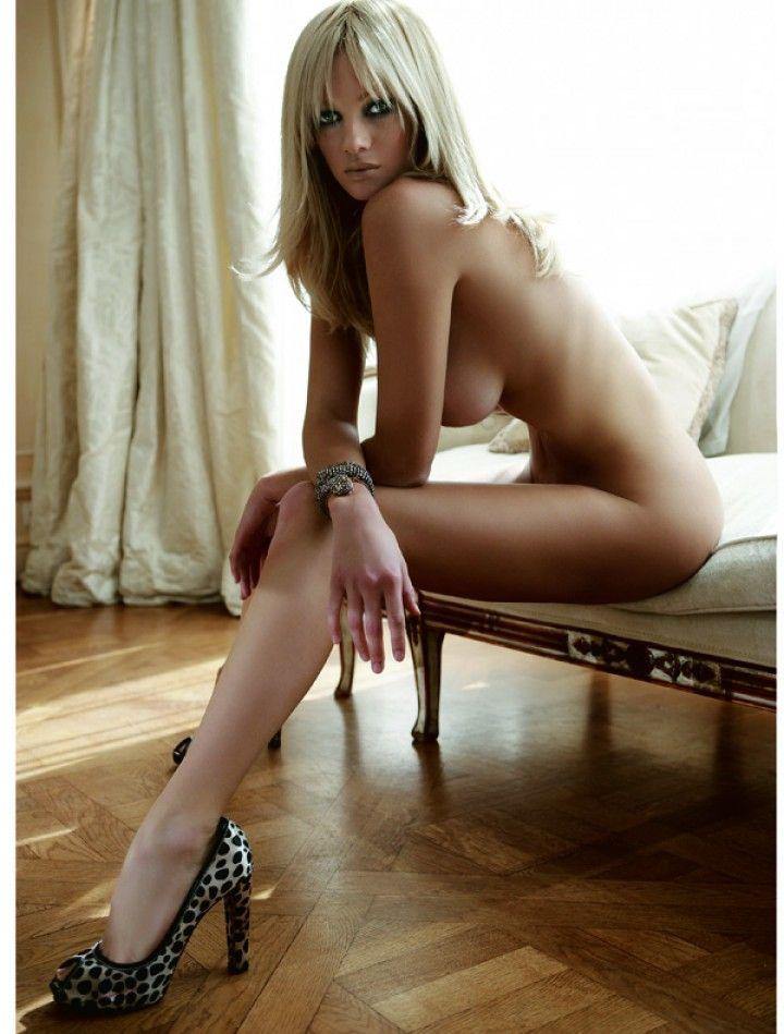 julia-alexandratou-nude-madonna-big-dick