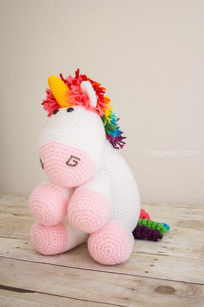 Rainbow Cuddles Crochet Unicorn Pattern | Ein Einhorn, Einhörner und ...