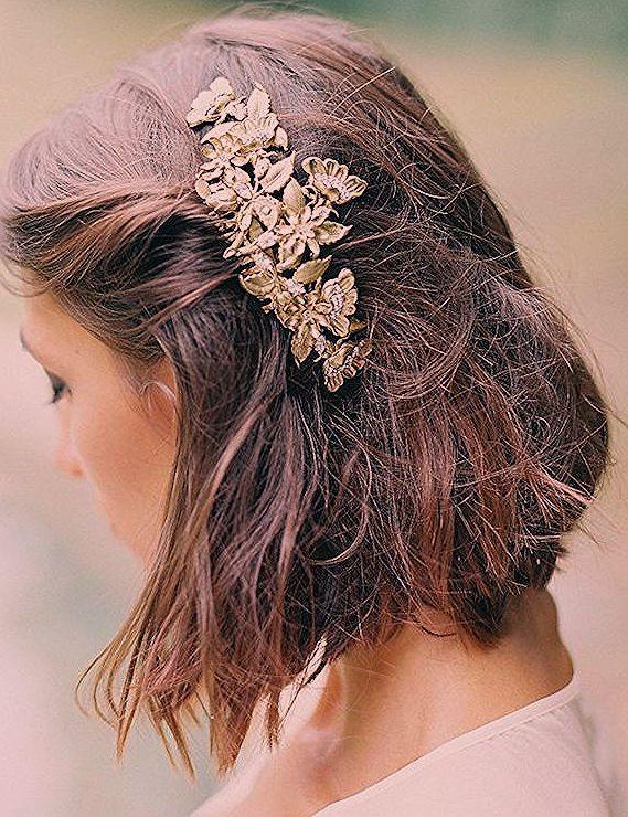 carré plongeant flou sur cheveux chatain accessoirisés d un bijou cheveux motif fleurs ...