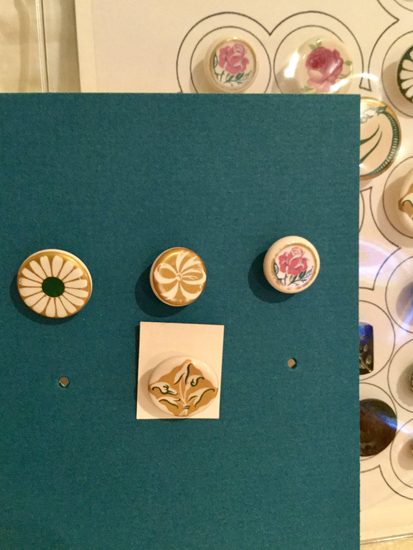 Several Robinson Brick And Tile Co Buttons Era Around 1948 Ceramic