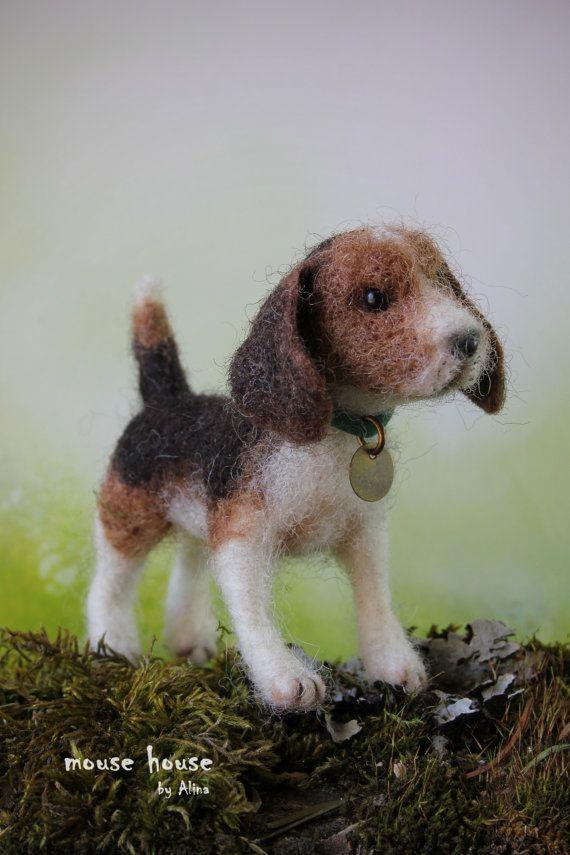 Nadel gefilzt Beagle Pose-Lage Wolle Skulptur gefilzte