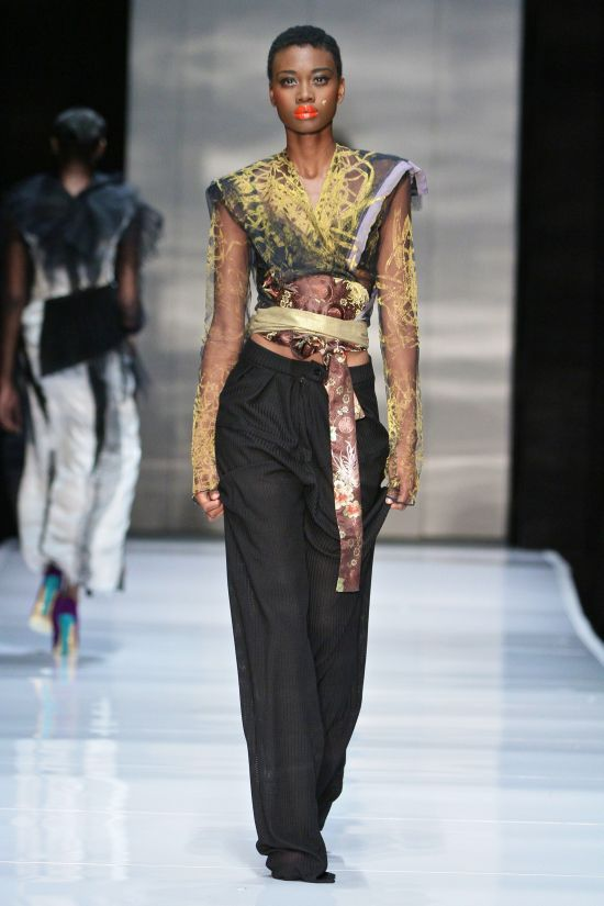 South African Designer Clive Rundle Born In Zimbabwean Studied Fashion In Johannesburg Fashion Africa Fashion African Fashion