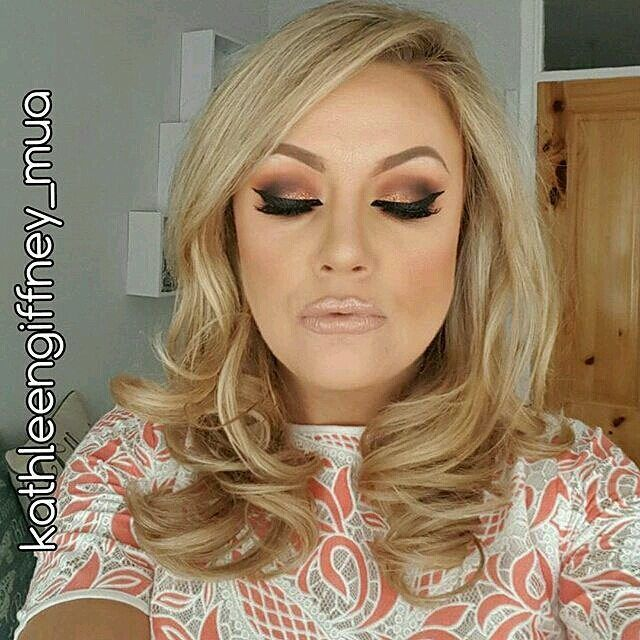Everything... #goals  @kathleengiffney_mua  Face: #illamasqua Skin Base 10.  Cheeks contour: #milani Corallina. #beccacosmetics Champagne Pop.  Eyes: #inglotireland 355 102 15 605 329 63 77 Gel Liner (waterline). @urbandecaycosmetics Flame and Glitter Eye Liner (unsure of colour). #essence Liquid Ink. #ardell 120 Demi.  Lips: #flomar Lip Pencil 201. @maccosmetics Blankety. @stilauk Kitten. Share your looks to be featured #GlamExpress or http://ift.tt/1LKibRA (Upload on site to win cool…