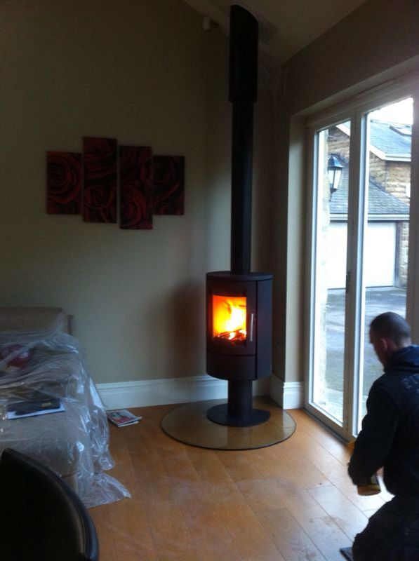 Varde Ovne with insulated flue system in glass teardrop