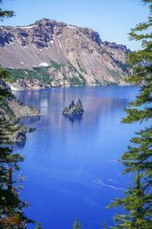 Crater Lake National Park is one of the most beautiful places in Oregon, and should be on everybody's bucket lists! Planning an itinerary for your fam... - National Park Explorer - #beautiful #Bucket #Crater #everybodys #Explorer #fam #itinerary #Lake #lists #National #Oregon #Park #places #planning #craterlakenationalpark Crater Lake National Park is one of the most beautiful places in Oregon, and should be on everybody's bucket lists! Planning an itinerary for your fam... - National Park Explo #craterlakeoregon