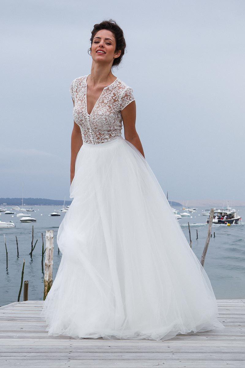 Dans les baskets de lamariée wedding wedding dress and robe