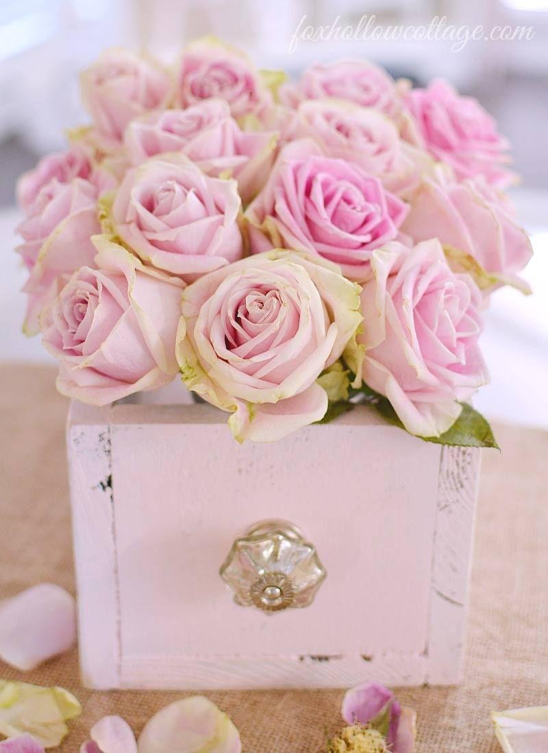 Schublade Als Blumenvase Zartrosa Dekoration Mit Rosen