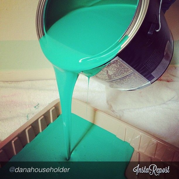 """Doesn't this #FanFotoFriday make you want to paint this weekend? Thanks @Dana Curtis Householder! """"Pantone color of the year ✨ #emerald #pantone #omg #beautiful #newapartment"""" Don't you agree, @loweshomeimprovement?"""
