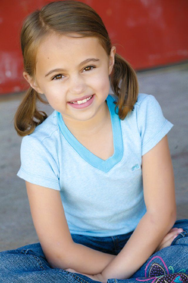 """Young Girl Models Nn: Cutest Little Girl Ever! On The New """"Footloose"""" Movie"""