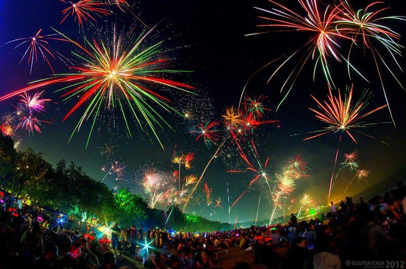 New Years Fireworks Kuta Bali Fireworks Photography Fireworks Images Fireworks Photo