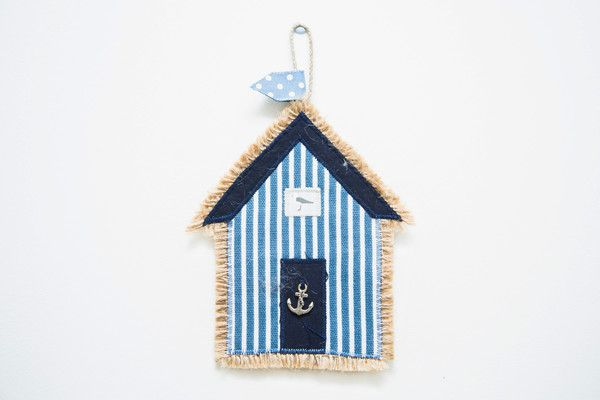 Beachie Brilliance in your own home! These little beach hut hangings bring a flavour of the coast wherever you are.