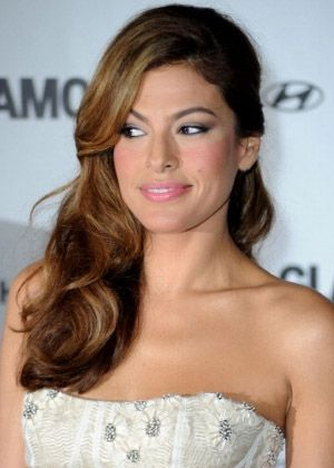 Google Image Result for http://www.prohaircut.com/gallery/Eva_-Mendes-side-swept-hairstyle_72927.jpg