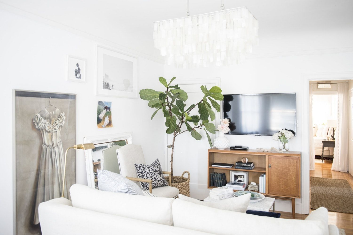 Best 9 Paint Colors To Try If You Have A Small Living Room 400 x 300