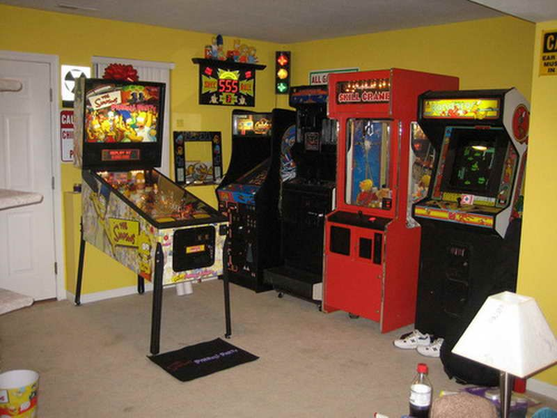 45 Video Game Room Ideas To Maximize Your Gaming Experience Small Game Rooms Game Room Video Game Rooms