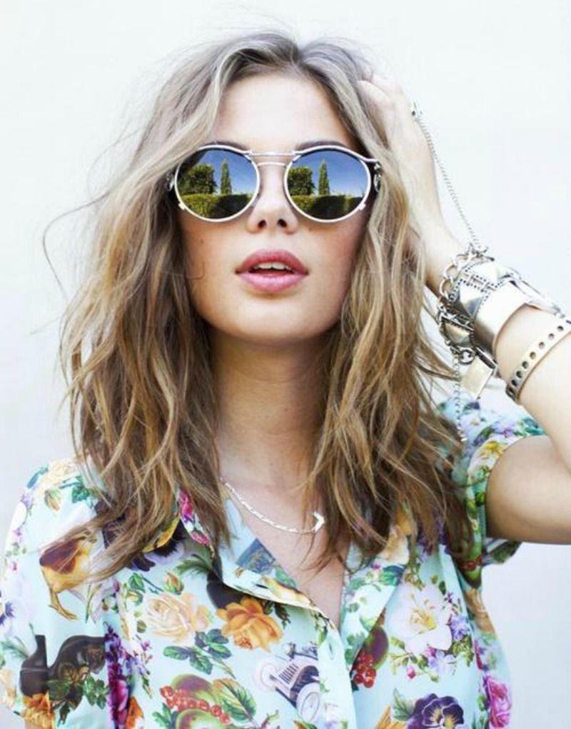 Messy hair; Medium hair; Hairstyle; Round sunglass