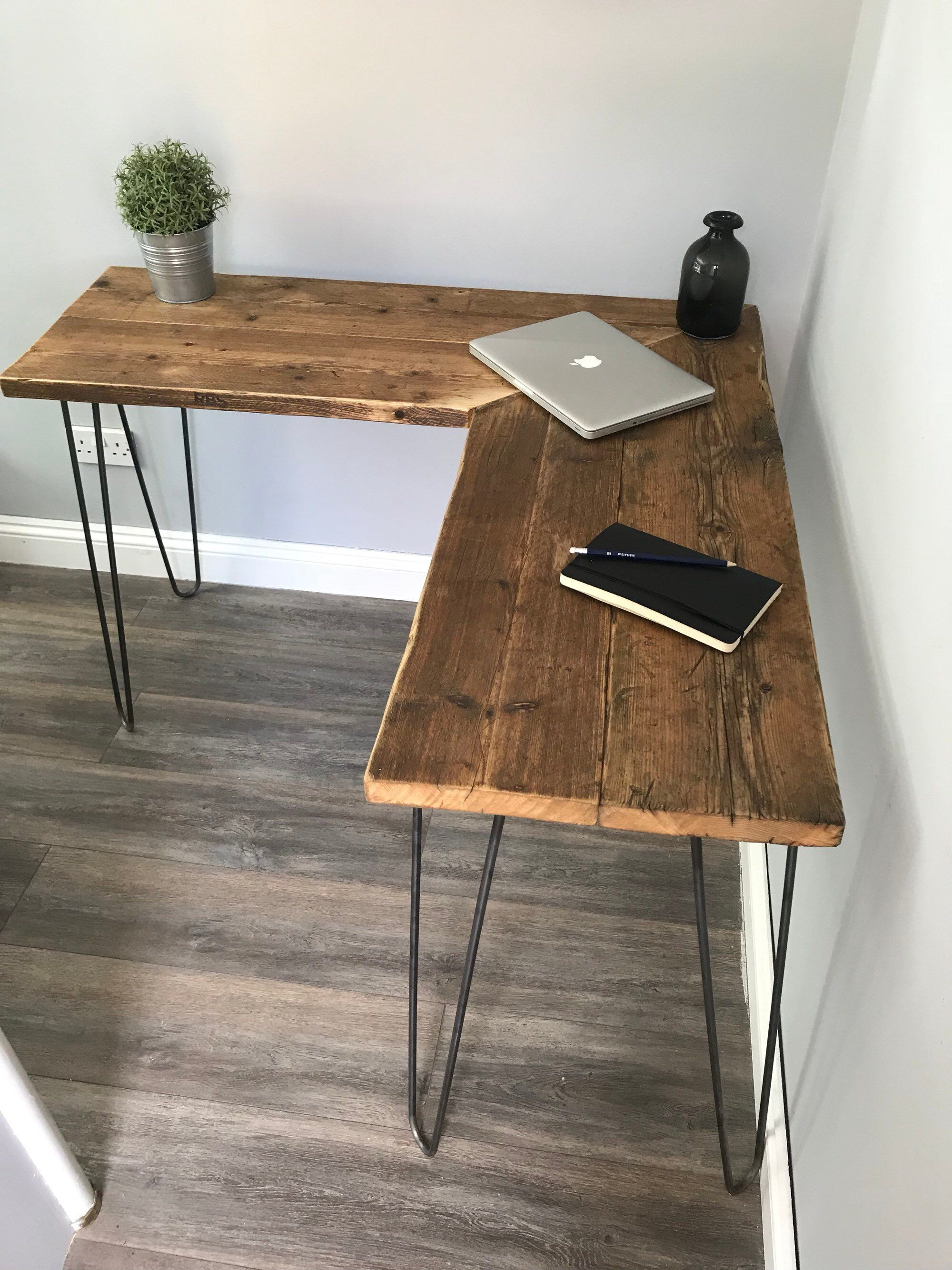 VICTORIA- Modern Rustic Industrial Reclaimed Scaffold Board Corner Desk With Hairpin Legs #stainedwood