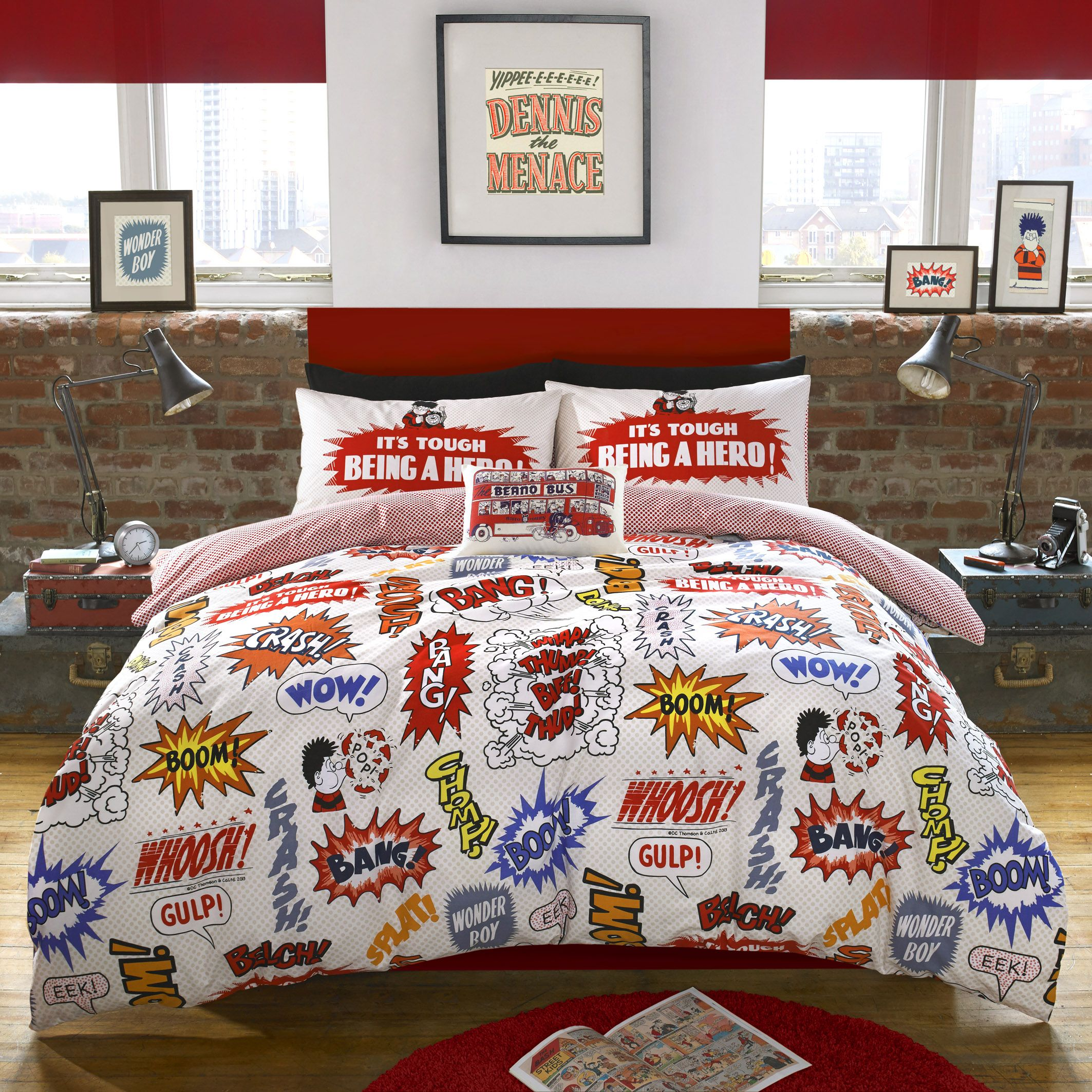 This Beano Crash Boom Duvet Cover Set Features An Array Of Bold Colourful Clic Comic Book Style Sch Bubbles And Shapes To Give It The Wow Factor