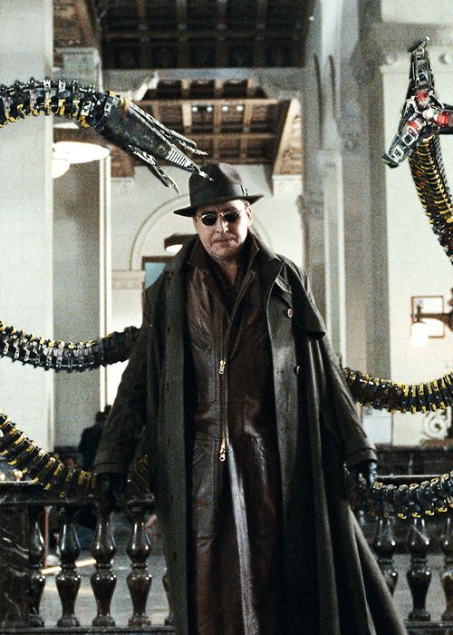 alfred molina as �doctor octopus� in spiderman 2