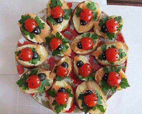 Tostadas tomate mariquitas comidas para chicos - Como hacer un canape ...